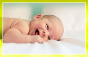 ¿Cuándo es recomendable empezar a poner al bebé boca abajo?